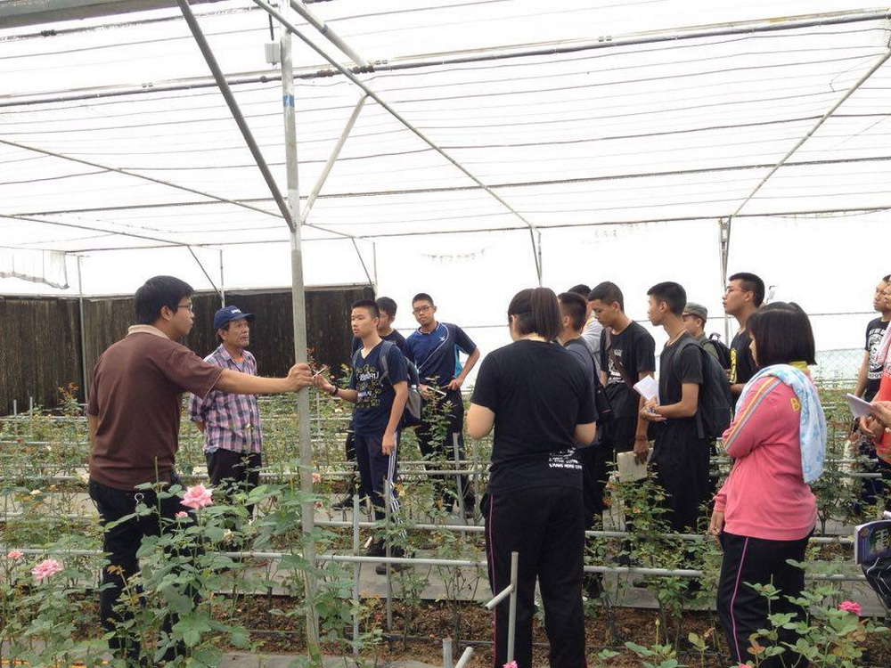 สาขาวิศวกรรมศาสตร์สมัยใหม่ วิทยาลัยฯ นำนักศึกษากลุ่ม Smart Farm Module อบรมการเรียนรู้งานทางด้านโครงสร้างและเทคโนโลยีการทำโรงเรือน ที่ สถานีเกษตรหลวงปางดะ อ.สะเมิง จ.เชียงใหม่