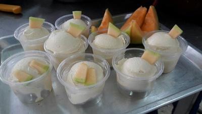 นักศึกษา มทร.ล้านนา ลำปาง ฝึกอบรมเชิงปฏิบัติการ การทำไอศกรีมแตงเมล่อน