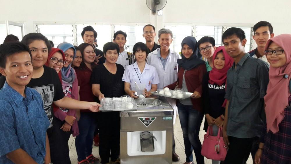 อบรมจัดทำไอศกรีม ให้นักศึกษาโครงการแลกเปลี่ยน BRIC Program
