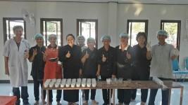 กลุ่มเกษตรกร ในโครงการหมู่บ้านวิทยาศาสตร์ ฝึกอบรมเชิงปฏิบัติการ การทำโยเกิร์ตข้าว