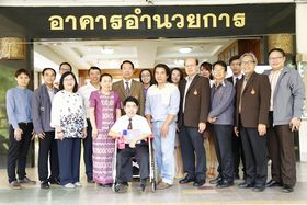 รูปภาพ : นักศึกษารางวัลพระราชทาน ประจำปีการศึกษา 2558