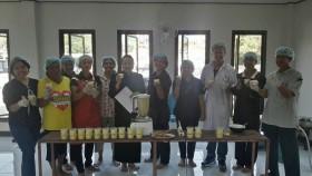 รูปภาพ : การฝึกอบรมเชิงปฏิบัติการ การทำน้ำสลัดถั่วเหลืองของกลุ่มโครงการหมู่บ้านวิทยาศาสตร์ ณ เทศบาลตำบลไทรงาม