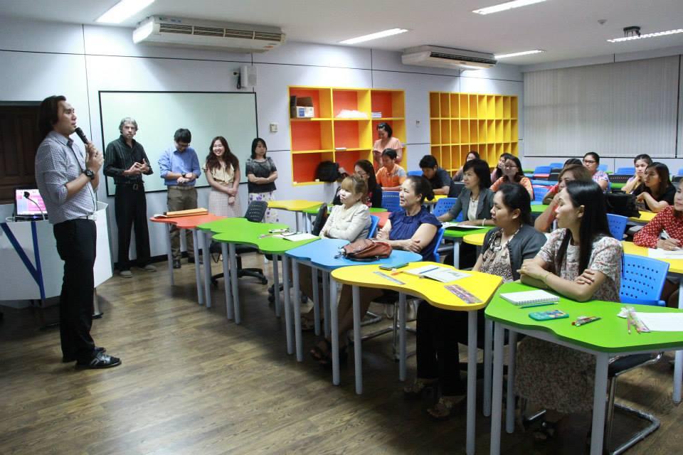 มทร.ล้านนา ตาก จัดโครงการฝึกอบรม การพัฒนาความรู้และทักษะการใช้ภาษาอังกฤษเพื่อการสื่อสารบุคลากรสายสนับสนุน