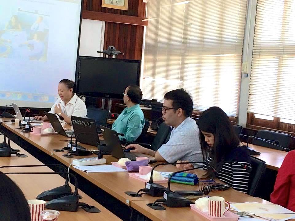 บุคลากร งานสารสนเทศเพื่อการเรียนรู้ ร่วมประชุม หารือเรื่องการพัฒนาภาษาอังกฤษ ครั้งที่ 1