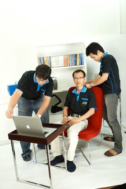 กลุ่มงานผลิตสื่อมัลติมีเดียให้บริการถ่ายวีดีโอแนะนำ ARIT RMUTL Service