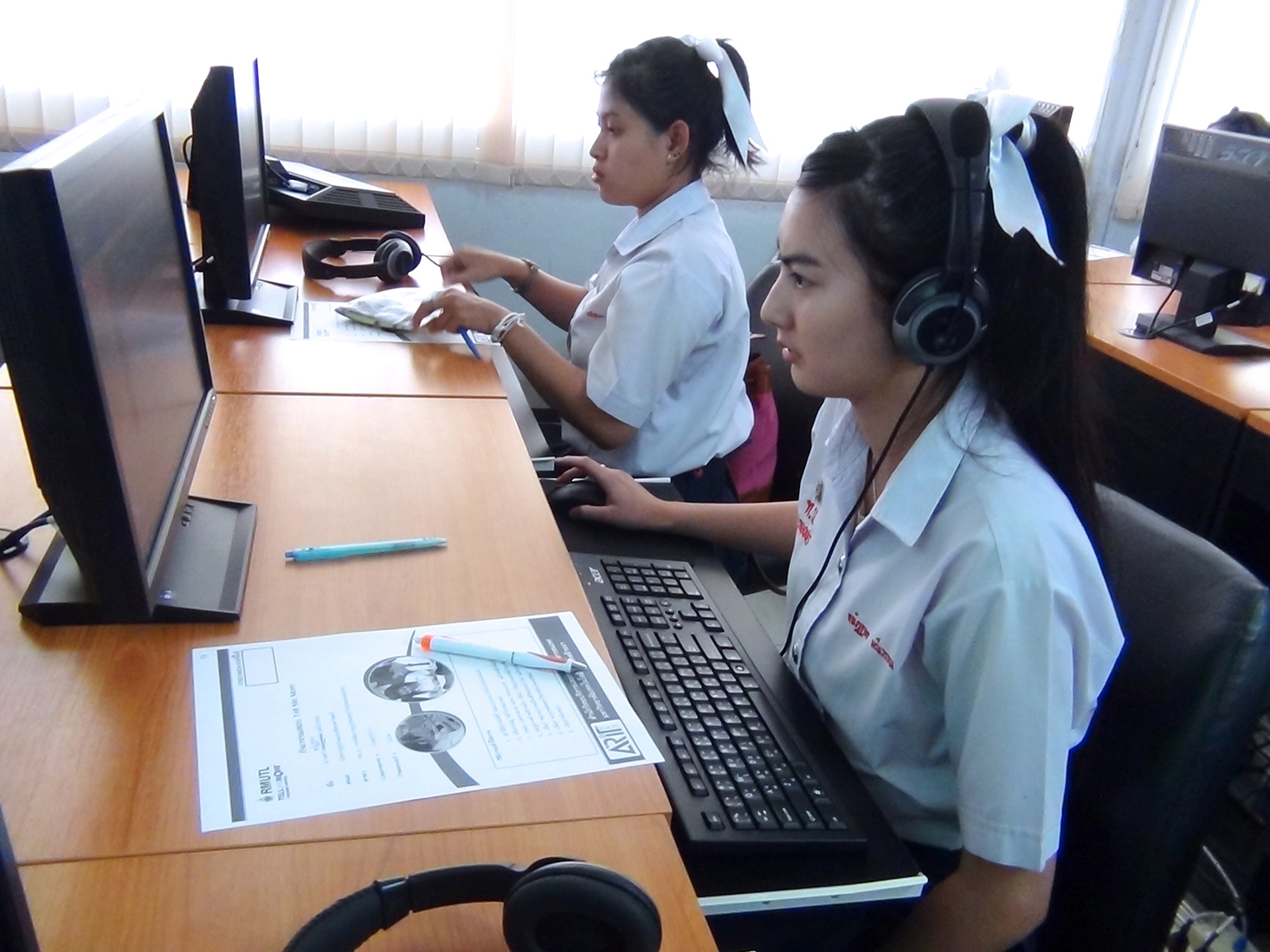 นักศึกษาใหม่ สาขา IBM เข้าร่วมทดสอบภาษาอังกฤษ ก่อนเข้า โครงการฯ Tell me more online