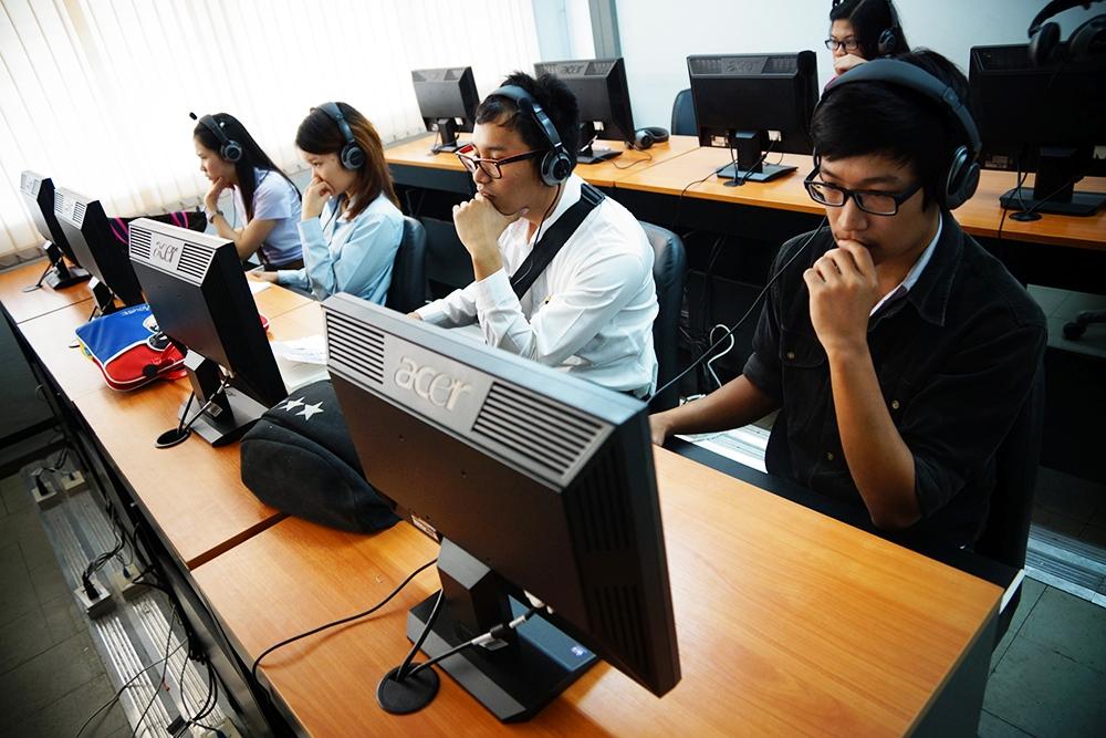 นศ. IMB มทร.ล้านนา ภาคพายัพ เชียงใหม่ เข้าทดสอบวัดผลสัมฤทธิ์ กับ TMM Online นำไปเปรียบเทียบกับคะแนนตามมาตรฐานภาษาสากล (TOEIC)