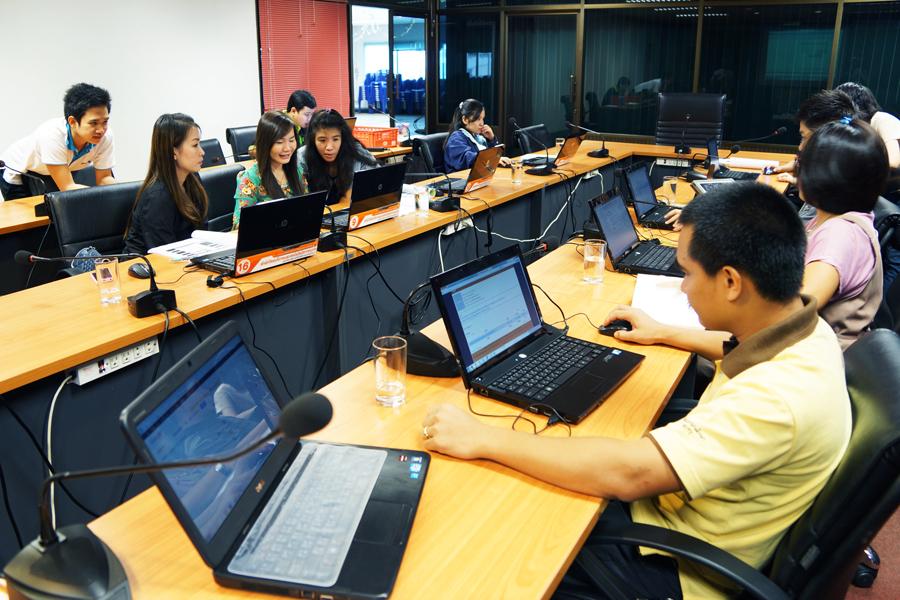 สำนักวิทยบริการฯ ร่วมกับบริษัท ลานนาคอมฯ จัดอบรมการสร้างเวปไซด์ฯของหน่วยงาน