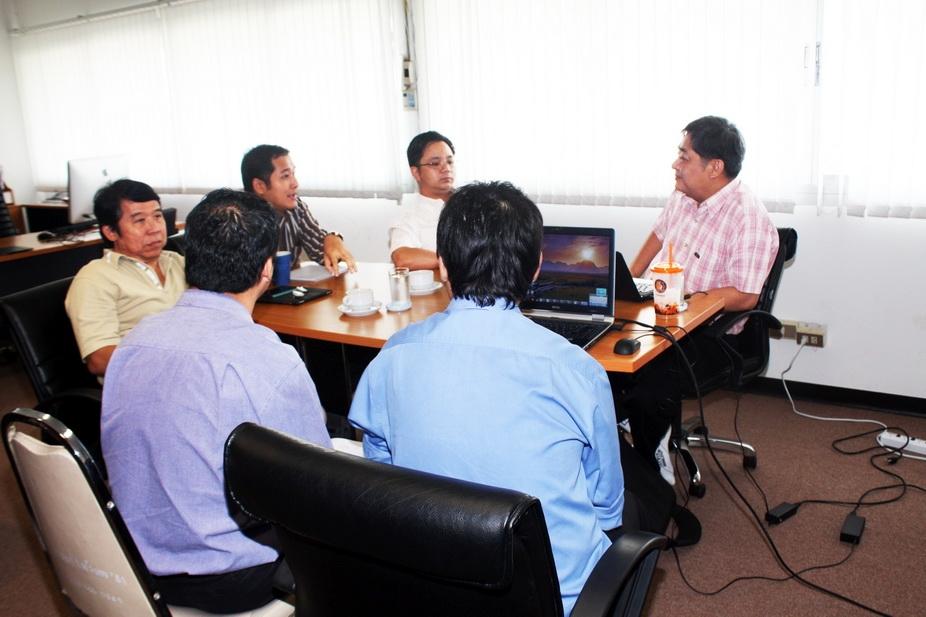 ผู้บริหารคณะฯ ร่วมหารือ แนวทางการทำงานกับ สำนักวิทยบริการฯ