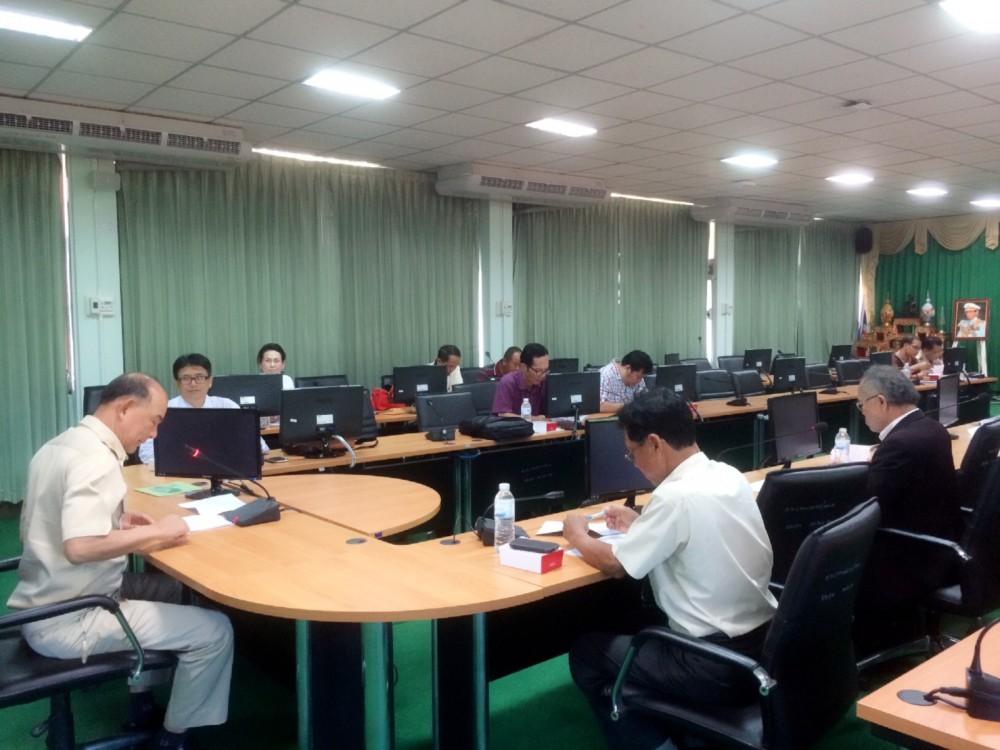 ประชุมคณะกรรมการคัดเลือกหัวหน้าสาขาพืชศาสตร์ สาขาสัตวศาสตร์และประมง คณะวิทยาศาสตร์และเทคโนโลยีการเกษตร ลำปาง