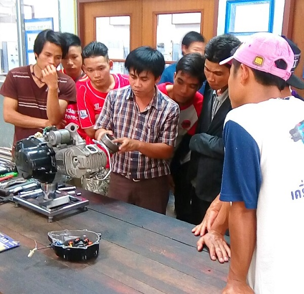 Mechanical Engineering Department has been providing workshop to give the knowledge about home solar power maintenance.