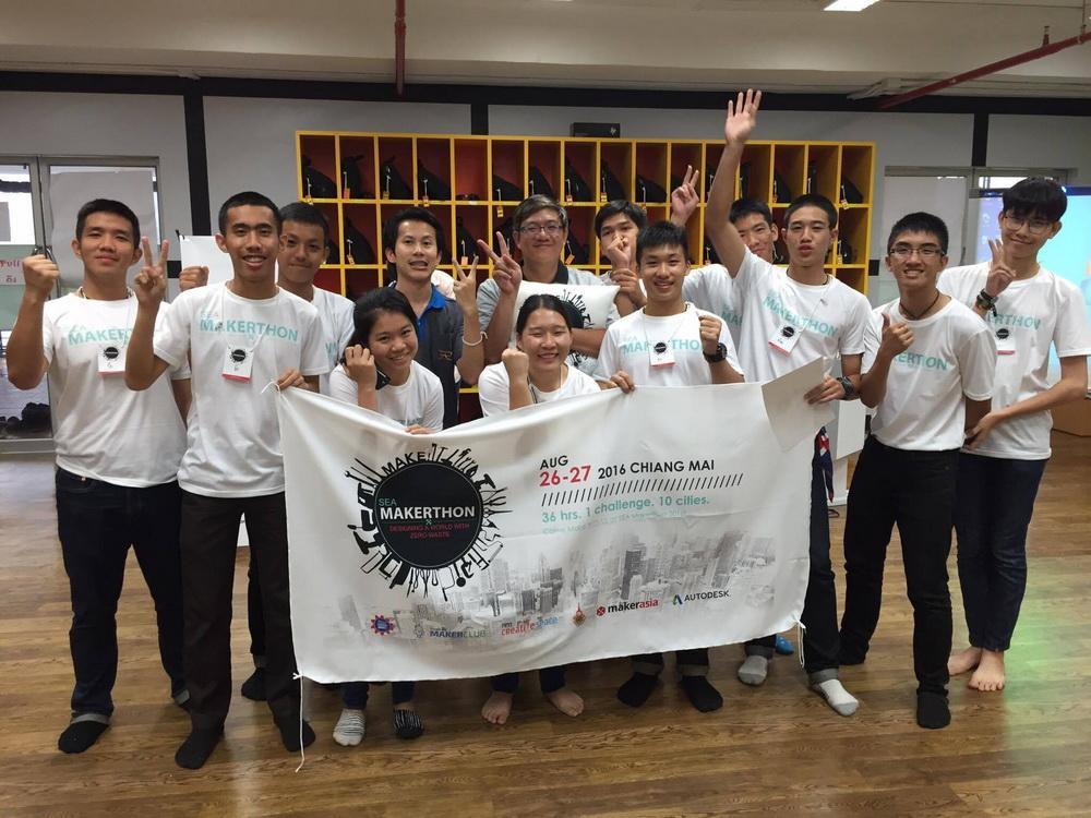 กลุ่มวิชานวัตกรรมการเรียนรู้ โรงเรียนเตรียมอุดมศึกษาเทคโนโลยี วิทยาลัยเทคโนโลยีและสหวิทยาการ นำนักศึกษาเข้าร่วมการแข่งขัน SEA Makerthon 2016