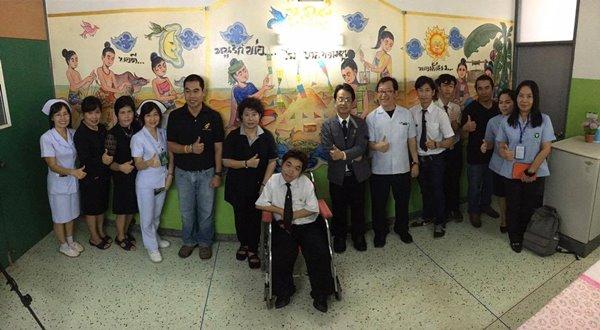 คณะศิลปกรรมฯ ส่งมอบภาพวาดฝาผนังห้องผู้ป่วยระยะสุดท้าย โรงพยาบาลพร้าว