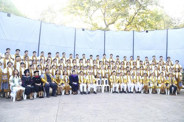 ประมวลภาพถ่ายรูปหมู่บัณฑิตประจำปีการศึกษา 2558