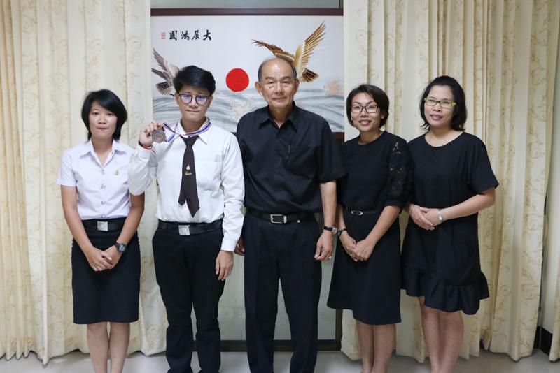 นักศึกษารางวัลรองชนะเลิศอันดับ 2 การแข่งขัน ICDL แห่งประเทศไทย เข้าพบรองอธิการบดี รายงานผลการแข่งขันพร้อมรับฟังโอวาท