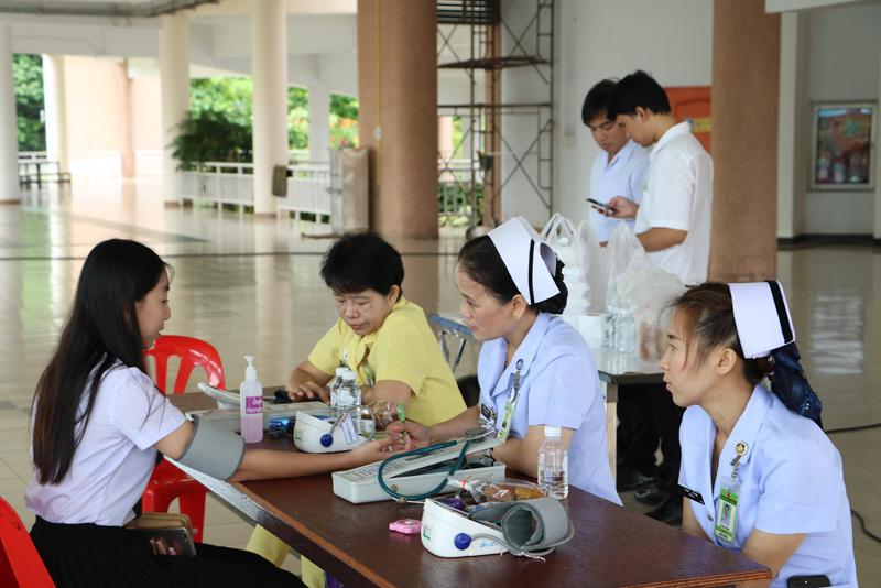 ฝ่ายกิจการนักศึกษา มทร.ล้านนา ลำปาง จัดโปรแกรมตรวจสุขภาพนักศึกษาใหม่ 60