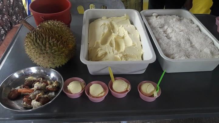 อาจารย์ มทร.ล้านนา ลำปาง เป็นวิทยากรฝึกอบรมเชิงปฏิบัติการ การทำไอศกรีมทุเรียน