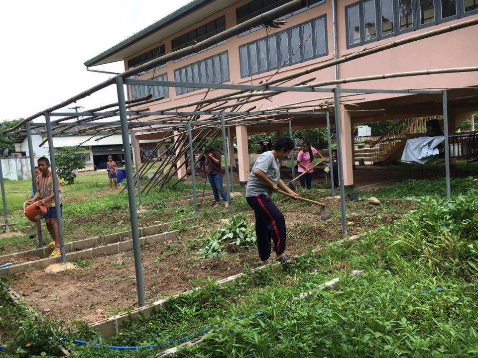 ชมรมพัฒนาการเกษตร มทร.ล้านนา ลำปาง จัดโครงการค่ายอาสาพัฒนาเกษตรเพื่อน้อง