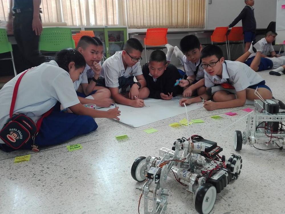 วิทยาลัยฯร่วมกับโรงเรียนปรินส์รอยแยลส์วิทยาลัย จัดโครงการค่าย Pre-Engineering Camp ณ ศูนย์การศึกษาเพื่อพัฒนาทักษะอาชีพ (TVET HUB )