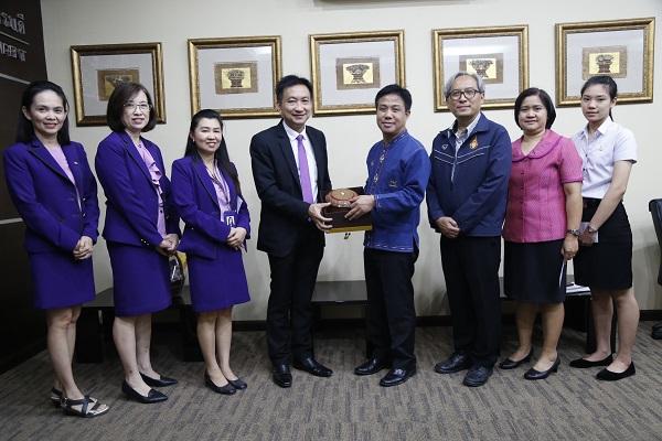 ธนาคารไทยพาณิชย์ มอบทุนการศึกษาแก่นักศึกษามทร.ล้านนา