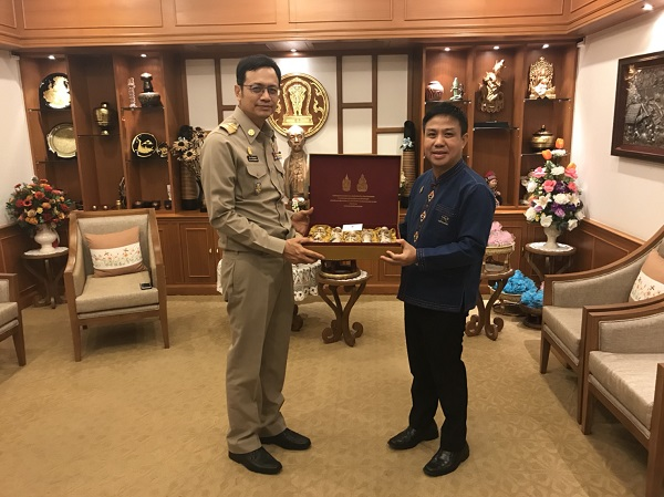 RMUTL met Chiang Mai's governor to present Agriculture industry project