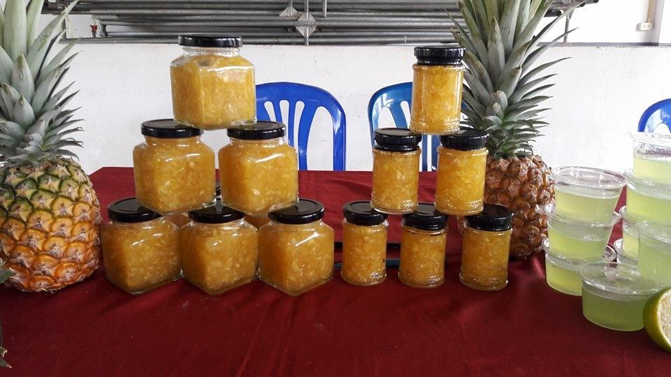 อาจารย์ มทร.ล้านนา ลำปาง เป็นวิทยากรฝึกอบรมเชิงปฏิบัติการ การทำแยมสับปะรด