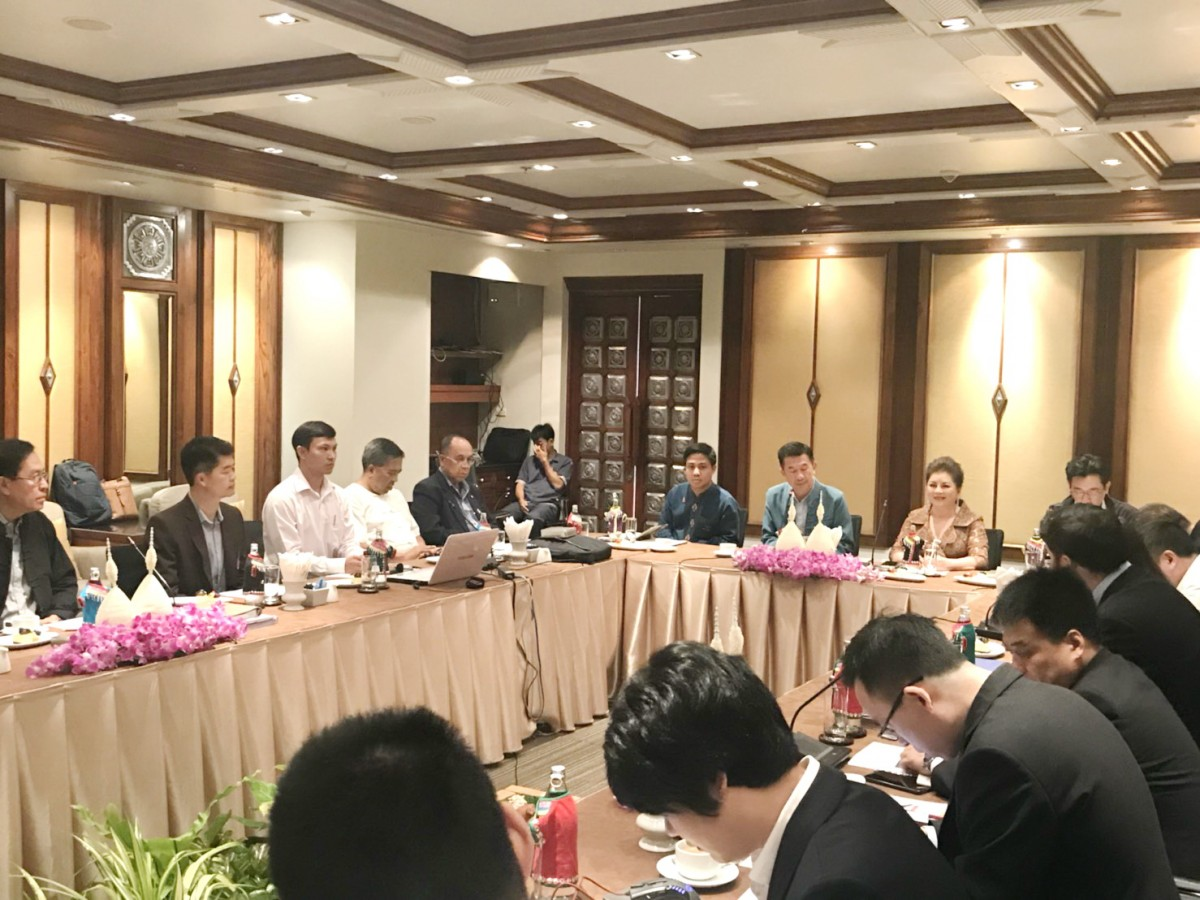 ผศ.ประพัฒน์ เชื้อไทย พร้อมคณะทำงานร่วมหารือกับผู้เชี่ยวชาญการสร้างทางรถไฟและพลังงาน ตามแผนงานขับเคลื่อนยุทธศาสตร์มหาวิทยาลัย 5 flagship มหาวิทยาลัยการขนส่ง (Transportation University)