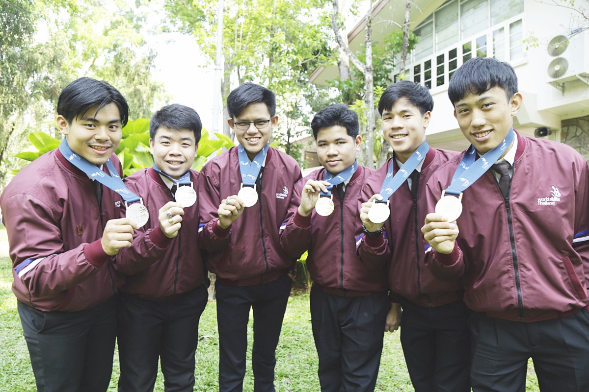 เด็กไฟฟ้า ราชมงคลล้านนา กวาด 4 ทอง2 เงิน WorldSkills Thailand 2018 คว้าตั๋ว เข้าแข่งขันฝีมืออาเซียน