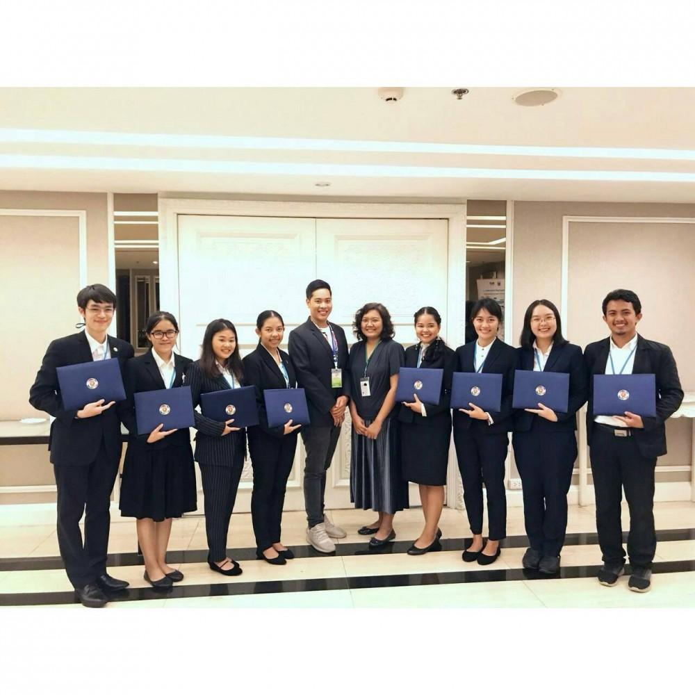 นักศึกษาสาขาภาษาอังกฤษเพื่อการสื่อสารสากล ได้รับคัดเลือกเข้าร่วมโครงการ ASEAN Youth Representatives in Experiencing the Philosophy of Sufficiency Economy (AY-REPSE) 2018 โดยสำนักนายกรัฐมนตรี