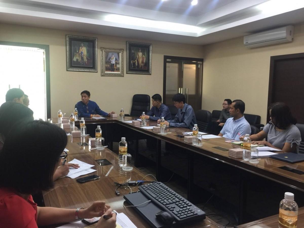 ผศ.ประพัฒน์ เชื้อไทย รักษาราชการแทนอธิการบดี มทร.ล้านนา เป็นประธานการประชุมผู้รับผิดชอบโครงการโรงไฟฟ้าพลังน้ำ บ้านห้วยมะโหนกคี