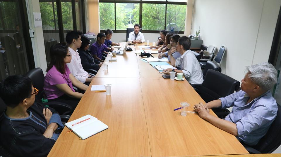 ติดตามผลการดำเนินงานโครงการยกระดับฯ 2561 กลุ่มผู้ปลูกสับปะรดบ้านเสด็จ