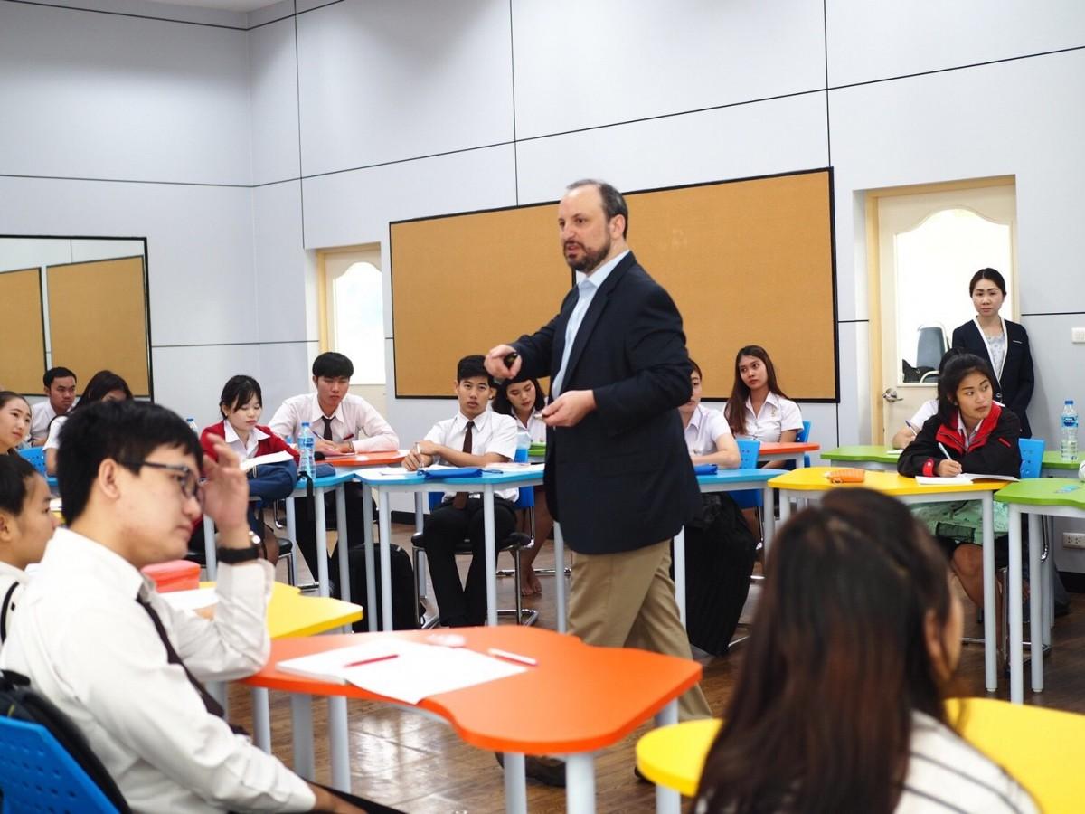 กิจกรรม Group Discussion กับวิทยากร Professor Eric H Kesster, Ph.D  จาก Lubin Shool of Business, Pace University, USA