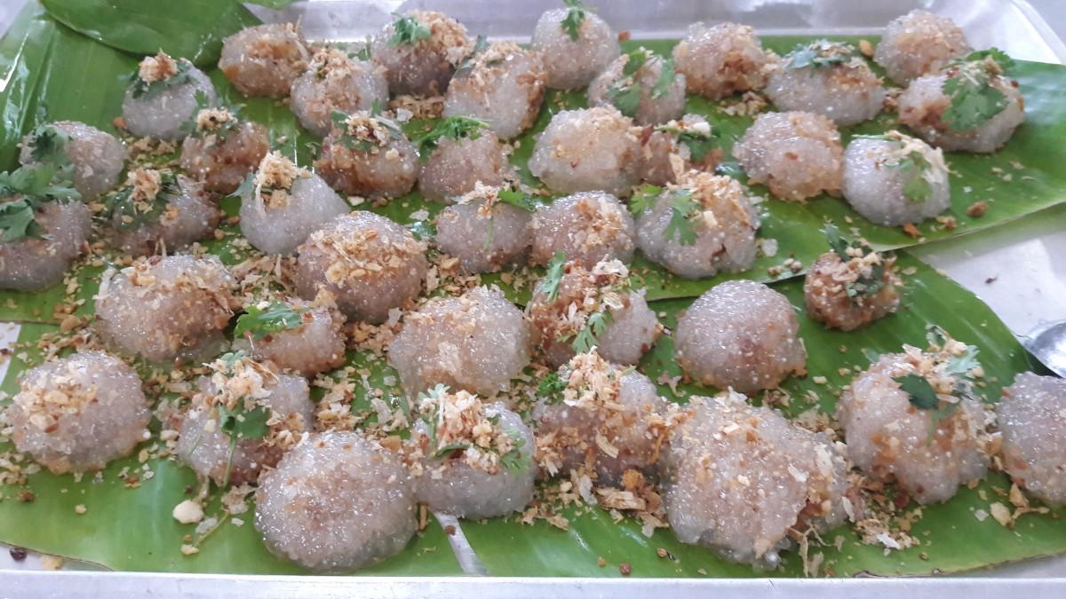 นักศึกษาการท่องเที่ยวและการโรงแรมสร้างประสบการณ์การทำอาหารไทยและอาหารนานาชาติ