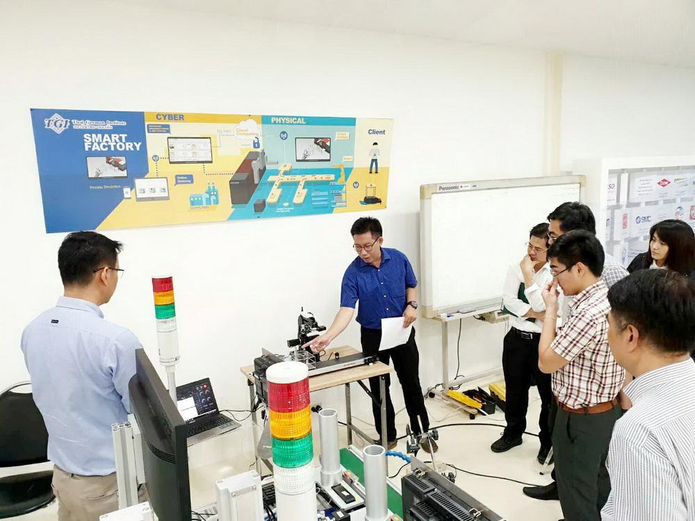 บุคคลากรวิทยาลัยฯ เข้าร่วมโครงการหุ่นยนต์แขนกลระบบอัตโนมัติเพื่อใช้ในอุตสาหกรรมเกษตร ณ สำนักพัฒนาอุตสาหกรรมสนับสนุน กรุงเทพมหานคร