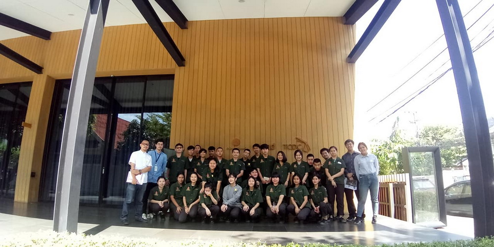 นักศึกษาหลักสูตรเตรียมสถาปัตยกรรมศาสตร์ เยี่ยมชมและศึกษาดูงาน ที่ ศูนย์สร้างสรรค์งานออกแบบ สาขาเชียงใหม่ (TCDC Chiangmai)