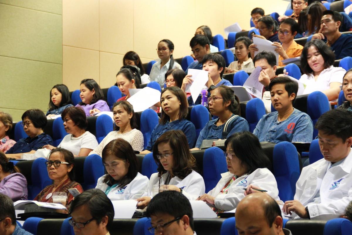 การประชุม โครงการเตรียมความพร้อมการดำเนินโครงการถ่ายทอดแผนปฏิบัติงานฯ ณ มทร.ล้านนา พิษณุโลก