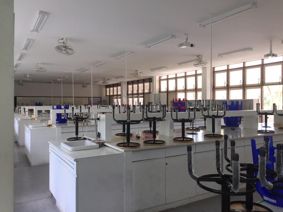 สาขาวิทยาศาสตร์ เชียงใหม่ กิจกรรม Big Cleaning Day เพื่อเตรียมความพร้อมการจัดการศึกษา ภาคเรียนที่ 2 ปี2561