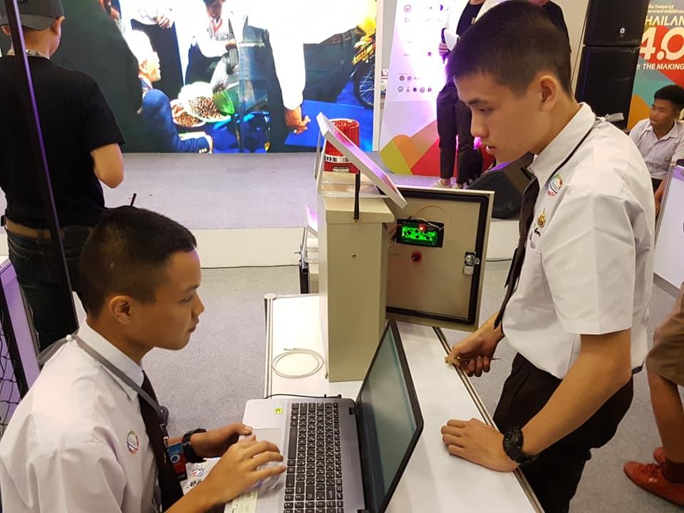 นักศึกษาหลักสูตรเตรียมวิศวกรรมศาสตร์ วิทยาลัยฯ คว้าตำแหน่งรองชนะเลิศอันดับที่ 1 ในการแข่งขันโครงการประกวดการพัฒนาต้นแบบทางวิศวกรรมระดับประเทศ (สายอาชีวะ)