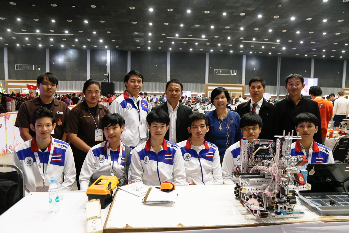 "RMUTL sent the students to join ""World Robot Olympiad Association 2018"""