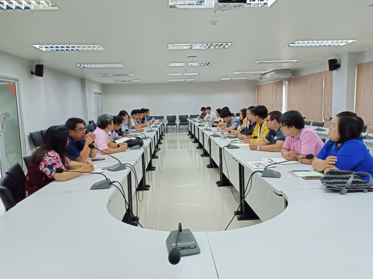 RMUTL Krathong staffs had a meeting about the operation in Krathong Yee-Peng 2018 festival's competition