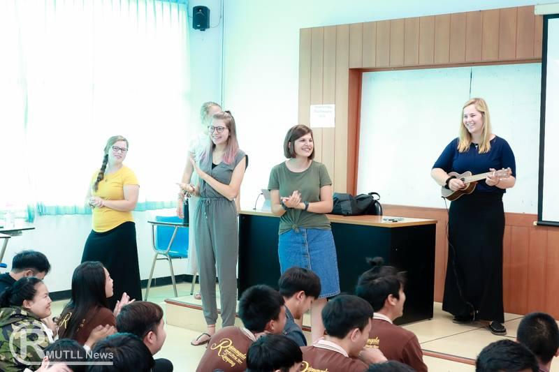 ศูนย์ภาษา ร่วมกับหลักสูตรภาษาอังกฤษเพื่อการสื่อสารสากล จัดกิจกรรม English Camp แลกเปลี่ยนวัฒนธรรมจากเจ้าของภาษา