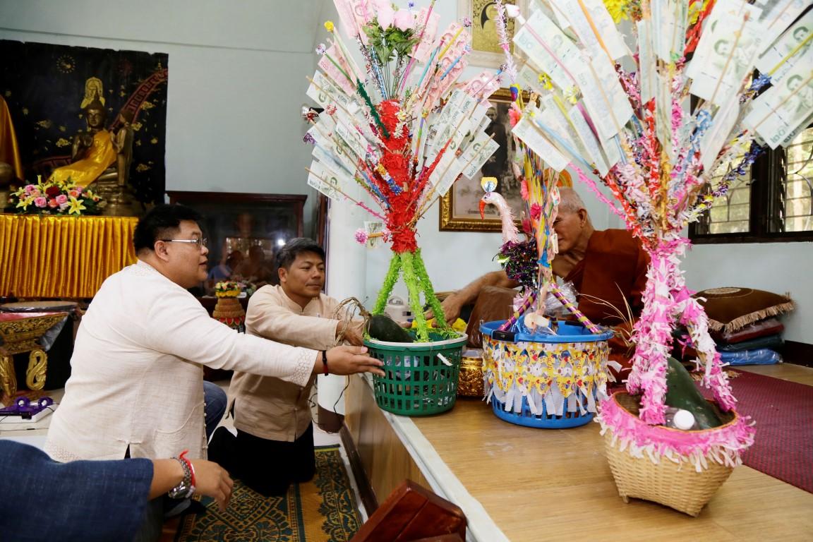 มทร.ล้านนา ร่วมทำบุญผ้าป่าสมทบทุนบรรพชาสามเณร อนุรักษ์ถิ่นไทยปี 2562