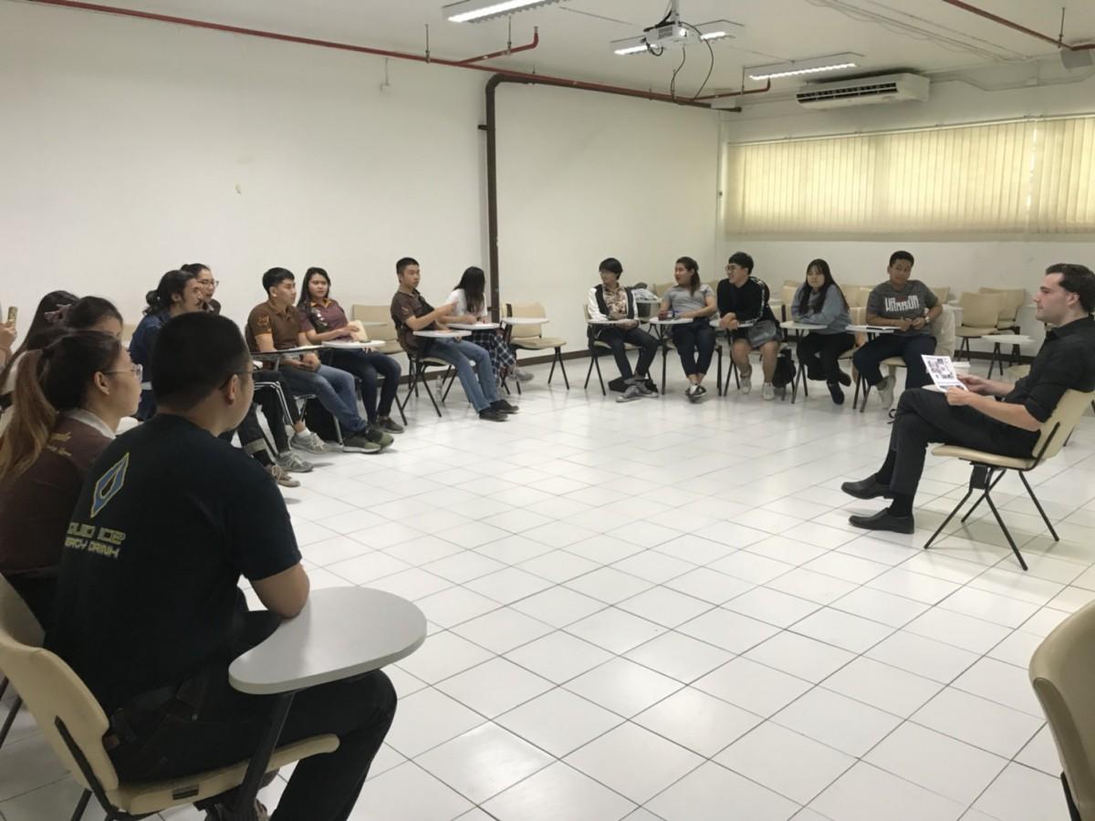 กิจกรรม English Classes for Learning Express 2019 students วันที่ 2