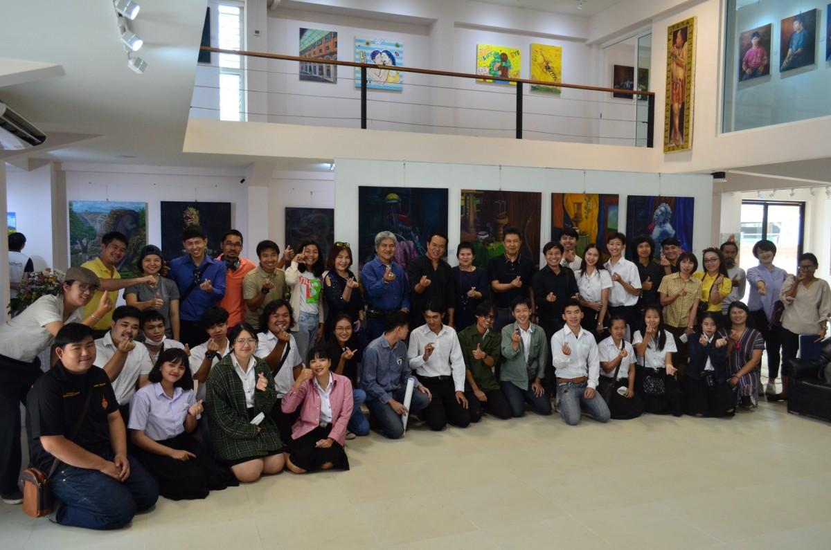 นิทรรศการที่รวบรวมผลงานจิตกรรมของนักศึกษาชั้นปีที่ 1 - 3 หลักสูตรทัศนศิลป์ ในชื่อนิทรรศการ มหึ.ศิลป์
