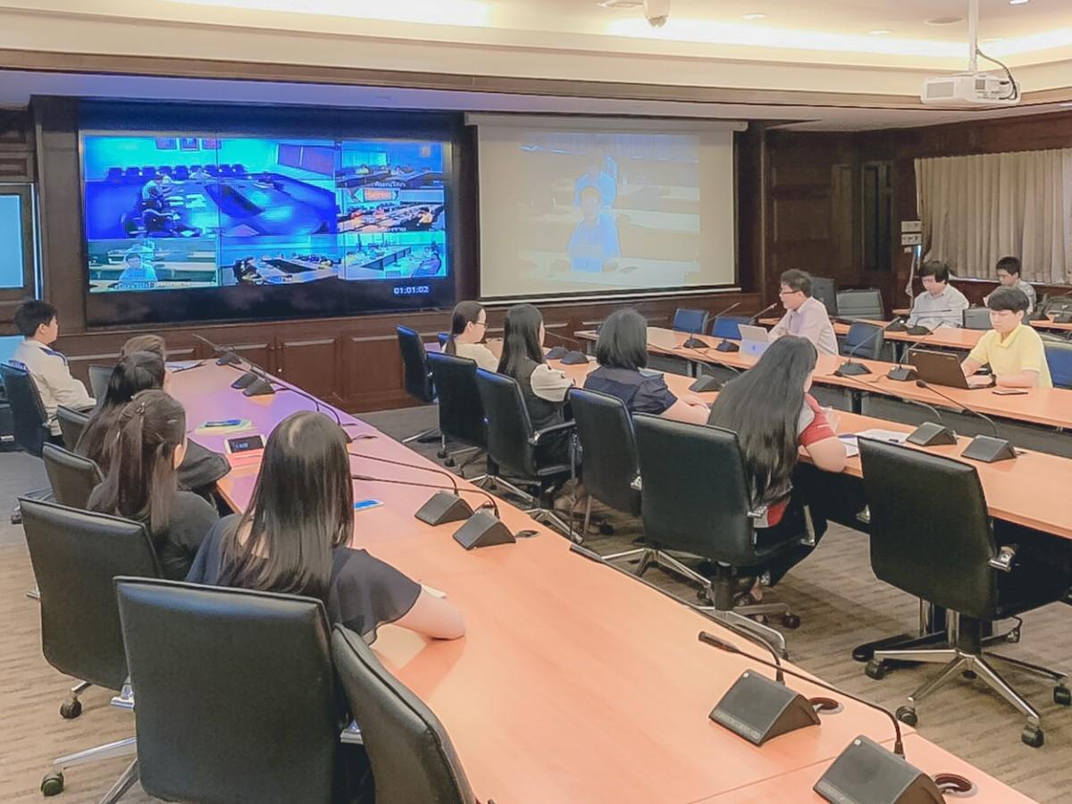 ผอ.วิทยบริการฯ ประชุมร่วม VDO Conference การดำเนินงานด้านระบบสารบรรณอิเล็กทรอนิกส์ หน่วยงานภายใน มทร.ล ๖ พื้นที่