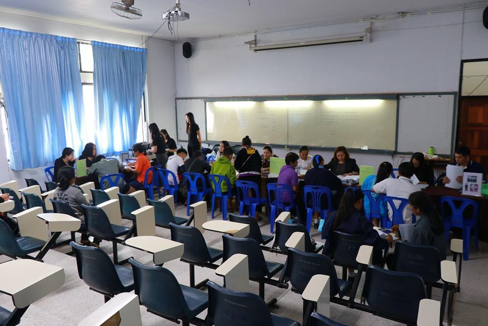 ภาพบรรยากาศการทำสัญญารับทุนของนักเรียนทุนนวัตกรรมสายวิชาชีพชั้นสูง ประจำปีการศึกษา 2562