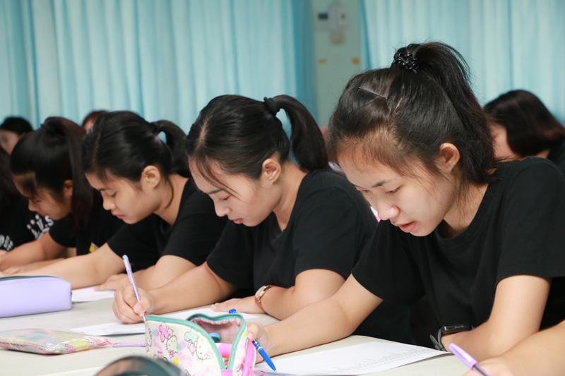 มทร.ล้านนา ลำปาง จัดโครงการปรับพื้นฐานความรู้นักศึกษาใหม่ 2562