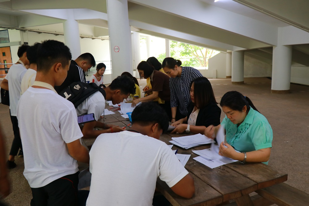 ภาพบรรยากาศการรายงานตัวนักศึกษา โครงการทุนวัตกรรมสายวิชาชีพชั้นสูง