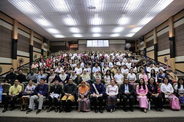"""พิธีปิดโครงการ """"Tourism and Hospitality Exchange Program RMUTL 2019"""""""