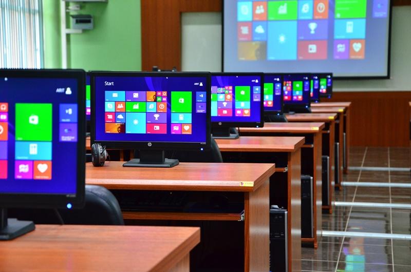 ห้องปฏิบัติการคอมพิวเตอร์ 15-605